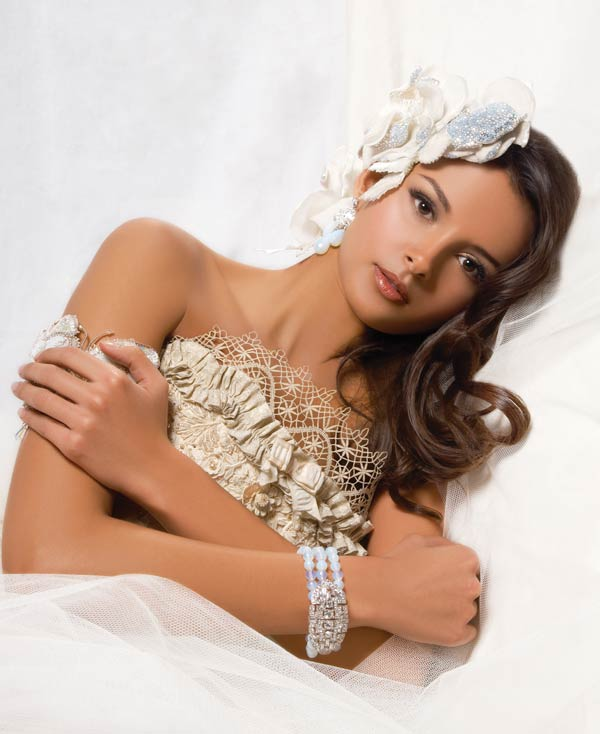 Bridal-jewellery-silk-flowercorsage